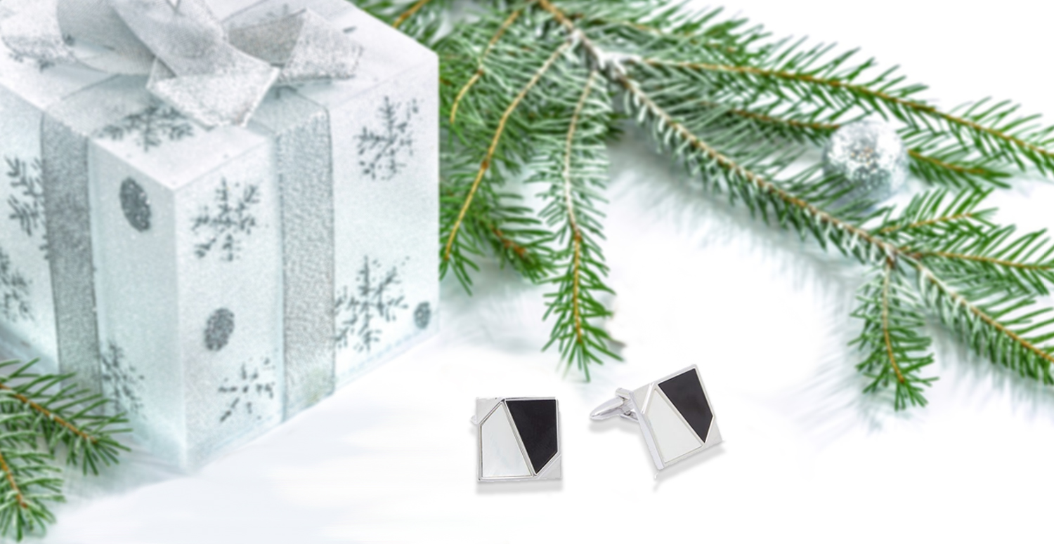 A Sync of Silver This Christmas