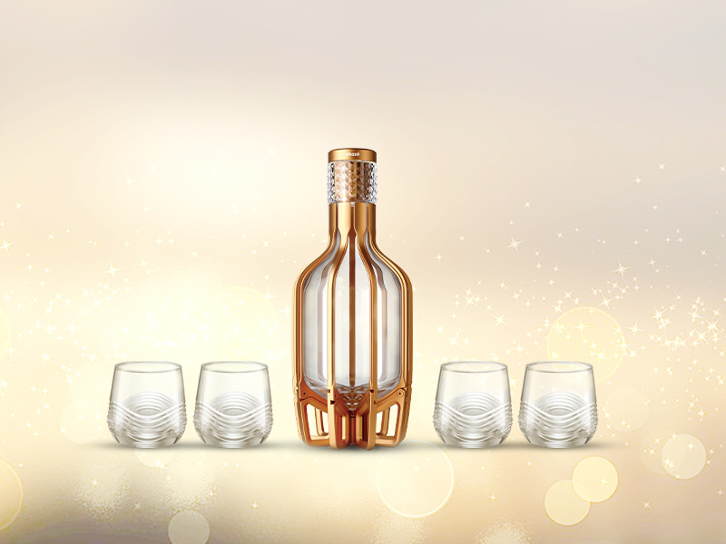 Decanter with glass